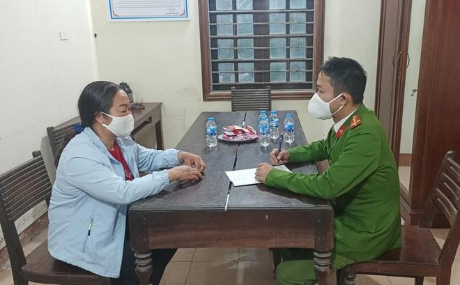 """Lén lút đưa du khách vào chùa Hương bằng đường """"tiểu ngạch"""" ảnh 2"""