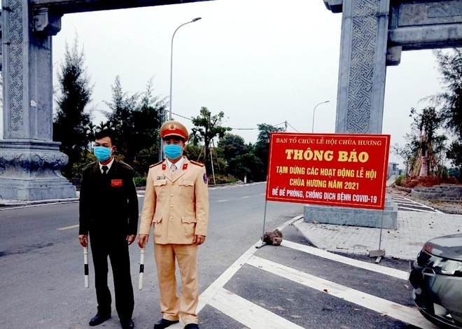 """Tăng cường các chốt kiểm soát ngăn du khách đi lễ hội chùa Hương """"chui"""" ảnh 2"""