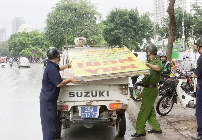 Ra quân đảm bảo trật tự, an toàn giao thông dịp nghỉ lễ 30-4 và 1-5 ảnh 3