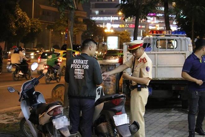 Xử lý nghiêm hành vi rao bán giấy phép lái xe giả công khai trên mạng xã hội ảnh 1