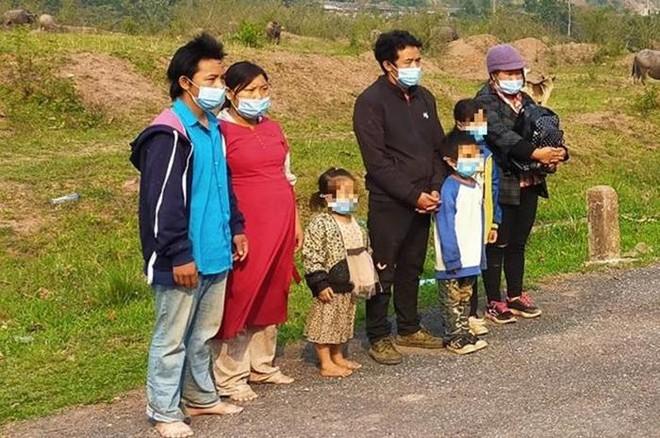 Cả gia đình 7 người nhập cảnh trái phép vào Việt Nam ảnh 1