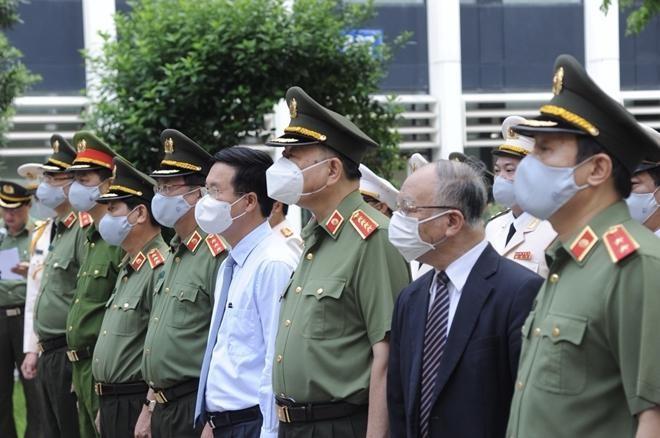 Đảng ủy Công an Trung ương dâng hương tưởng nhớ công lao Chủ tịch Hồ Chí Minh vĩ đại ảnh 1