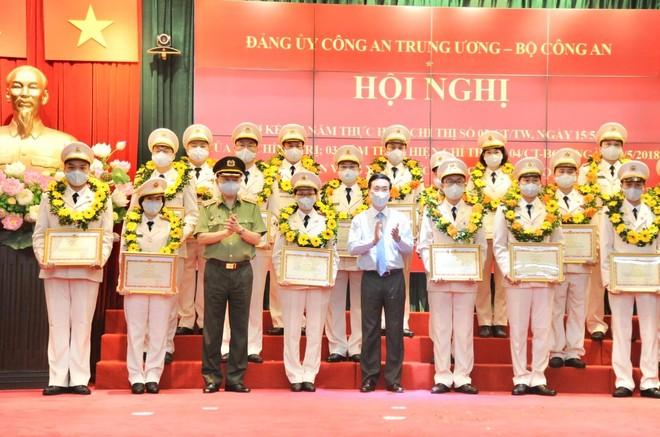 Đẩy mạnh học tập và làm theo tư tưởng, đạo đức, phong cách Hồ Chí Minh ảnh 4