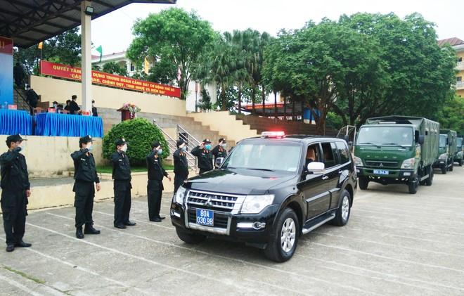 Gần 300 Cảnh sát cơ động lên đường hỗ trợ tỉnh Bắc Giang phòng, chống Covid-19 ảnh 5