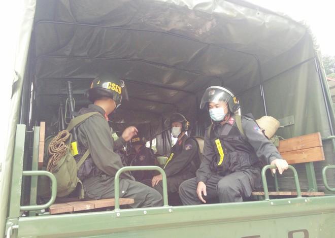 Gần 300 Cảnh sát cơ động lên đường hỗ trợ tỉnh Bắc Giang phòng, chống Covid-19 ảnh 9