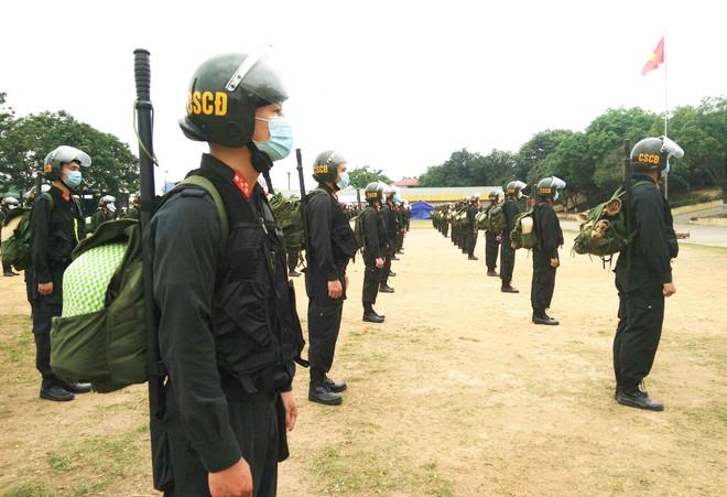 Gần 300 Cảnh sát cơ động lên đường hỗ trợ tỉnh Bắc Giang phòng, chống Covid-19 ảnh 4