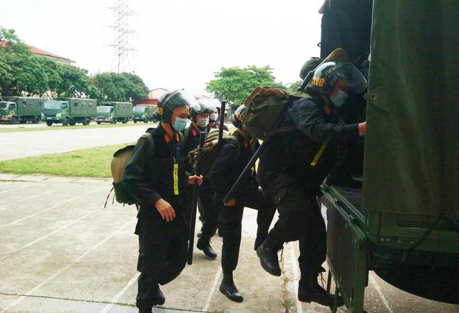 Gần 300 Cảnh sát cơ động lên đường hỗ trợ tỉnh Bắc Giang phòng, chống Covid-19 ảnh 6