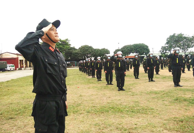 Gần 300 Cảnh sát cơ động lên đường hỗ trợ tỉnh Bắc Giang phòng, chống Covid-19 ảnh 2
