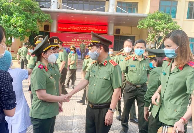 Thêm 166 y, bác sĩ Công an nhân dân chi viện Bắc Giang, điều hành Bệnh viện dã chiến số 2 ảnh 1