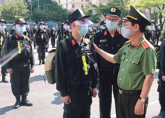 Cảnh sát cơ động và sinh viên Học viện Cảnh sát tiếp tục chi viện Bắc Ninh ảnh 2