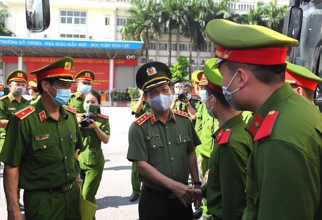 Cảnh sát cơ động và sinh viên Học viện Cảnh sát tiếp tục chi viện Bắc Ninh ảnh 3