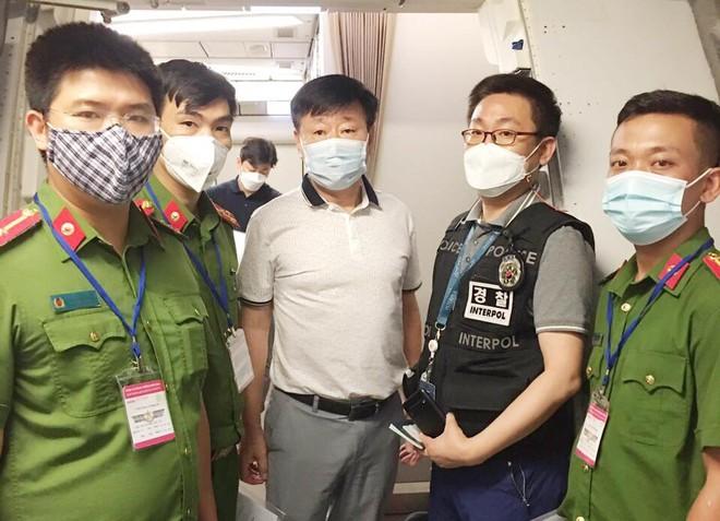 Lộ kẻ bị Cảnh sát Hàn Quốc truy nã qua thực hiện Mệnh lệnh 01 ảnh 1