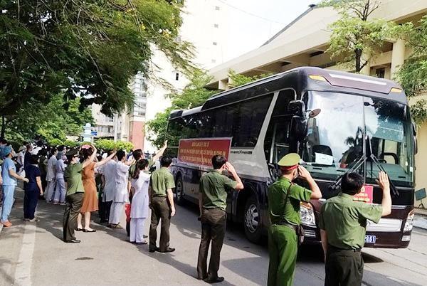 Thêm 120 y, bác sĩ CAND chi viện cho Bệnh viện dã chiến số 2 Bắc Giang ảnh 3