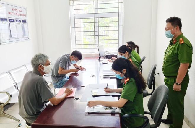 Hoàn thiện công tác tiếp dân tại trụ sở Công an các phường theo Luật Cư trú ảnh 1