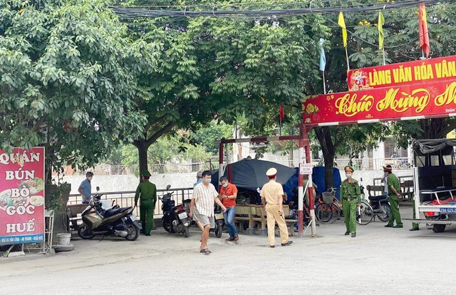 Quyết liệt kiểm soát dịch bệnh theo Công điện 15 của Chủ tịch UBND thành phố Hà Nội ảnh 1