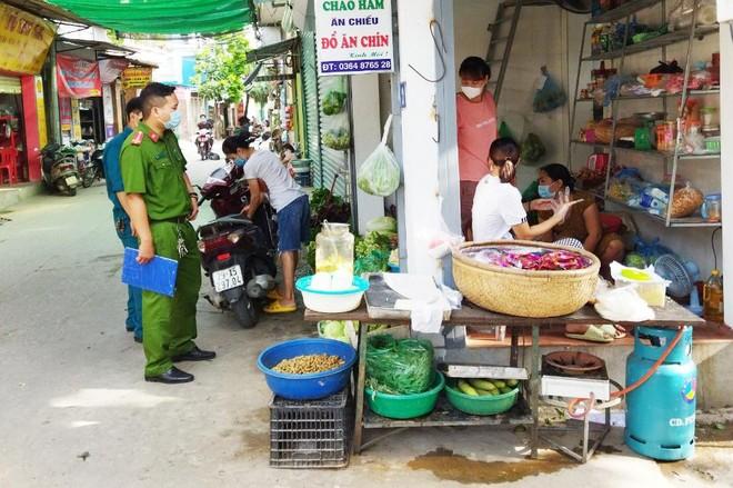 Quyết liệt kiểm soát dịch bệnh theo Công điện 15 của Chủ tịch UBND thành phố Hà Nội ảnh 2