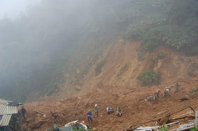 Đã tìm thấy 18 nạn nhân vụ sập núi ảnh 2