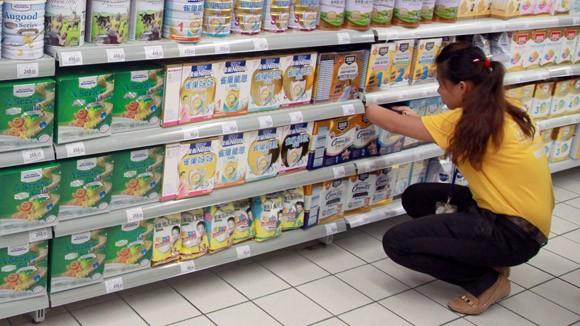 4 doanh nghiệp đăng ký giá sữa bán buôn giảm 50.000-80.000 đồng/hộp