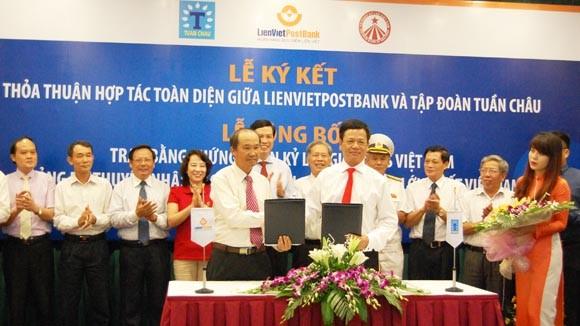 Lễ ký kết thỏa thuận hợp tác toàn diện giữa LienVietPostBank và Tập đoàn Tuần Châu diễn ra chiều nay (4-8)