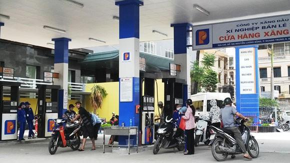 Giá xăng dầu có thể ổn định đến hết tháng 9 ảnh 1