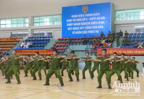 Cụm thi đua số 5 – CATP Hà Nội: Sôi nổi Hội thao thanh niên năm 2012 ảnh 2