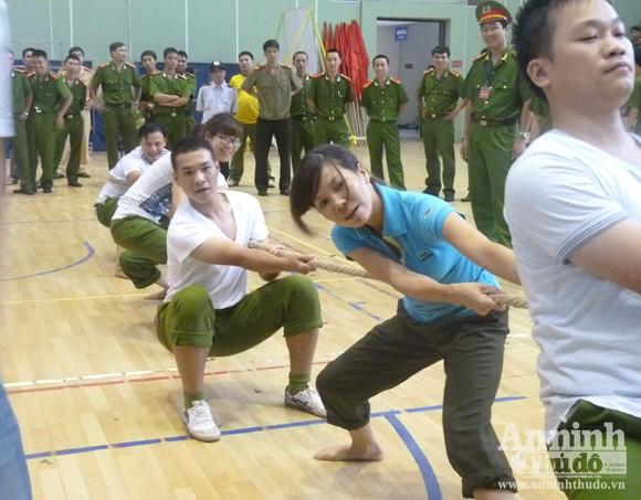 Cụm thi đua số 5 – CATP Hà Nội: Sôi nổi Hội thao thanh niên năm 2012 ảnh 5