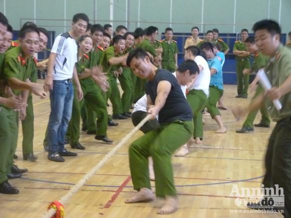 Cụm thi đua số 5 – CATP Hà Nội: Sôi nổi Hội thao thanh niên năm 2012 ảnh 4