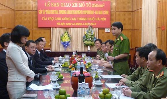 CATP Hà Nội tiếp nhận tài trợ 35 xe mô tô Honda 250cm3 ảnh 1