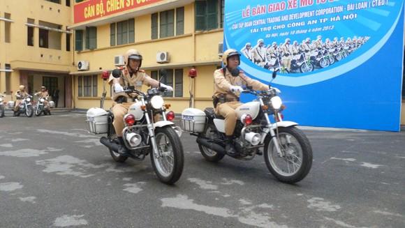 CATP Hà Nội tiếp nhận tài trợ 35 xe mô tô Honda 250cm3 ảnh 7