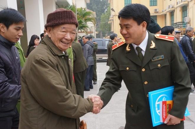 CATP Hà Nội gặp mặt, chúc tết cán bộ hưu trí qua các thời kỳ ảnh 3