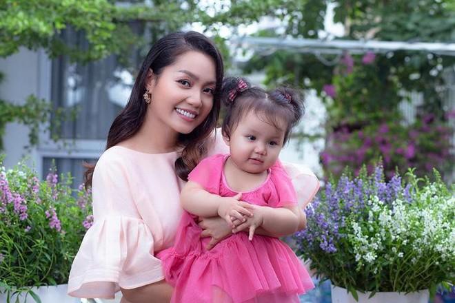 Ngọc Anh đưa con gái nhỏ 1 tuổi vào MV ca nhạc mới ảnh 2