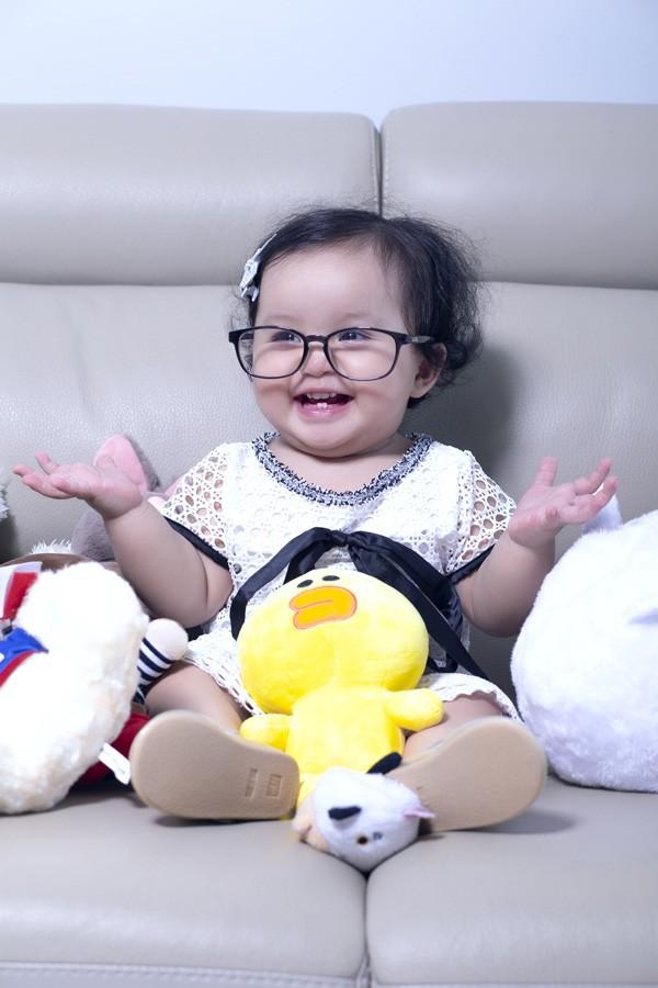 Ngọc Anh đưa con gái nhỏ 1 tuổi vào MV ca nhạc mới ảnh 4