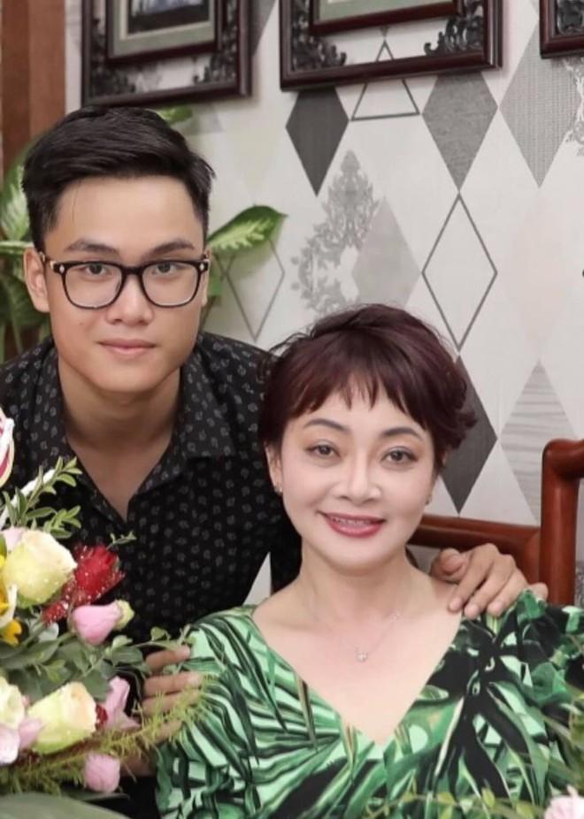 Niềm hạnh phúc vô bờ của nghệ sĩ Trà My sau 8 năm làm mẹ đơn thân ảnh 3