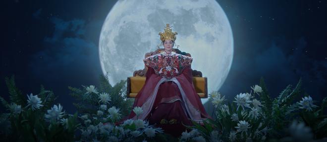Siêu mẫu Thanh Hằng làm phim dã sử lấy cảm hứng từ Thái hậu Dương Vân Nga ảnh 3