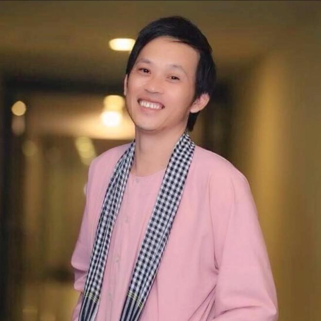 Hoài Linh nhận hơn 8 tỷ đồng ủng hộ miền Trung, tiết lộ cách cứu trợ ảnh 1