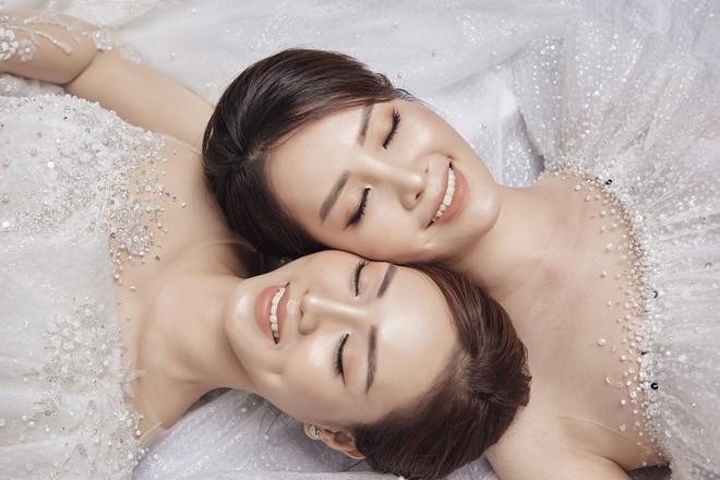 10 năm sau khi kết hôn, Á hậu Thụy Vân lại mặc váy cô dâu ảnh 12