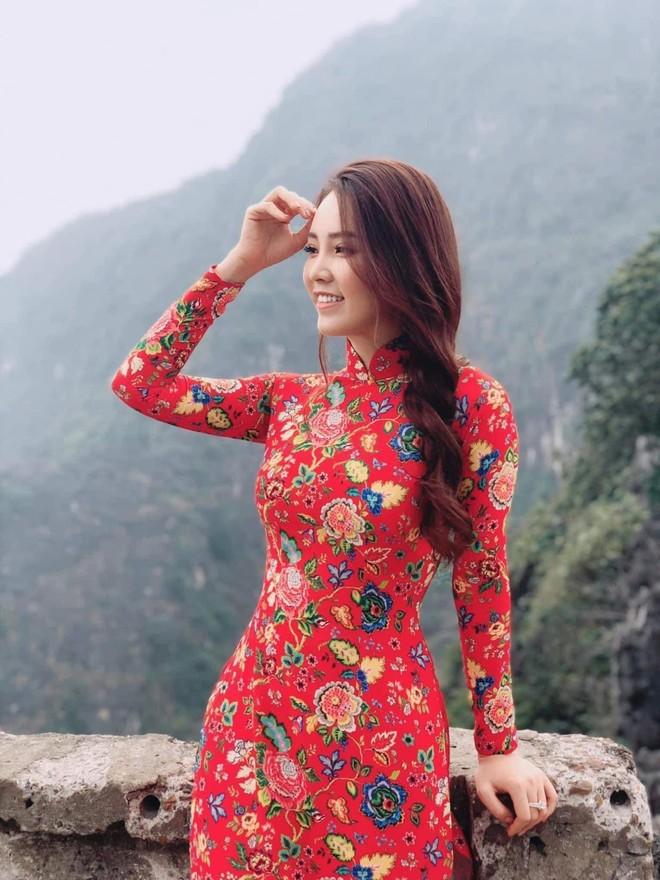 Vũ Thu Trang thiết kế 100 chiếc áo dài cho Á hậu Thụy Vân ảnh 4