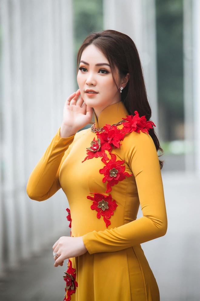 Vũ Thu Trang thiết kế 100 chiếc áo dài cho Á hậu Thụy Vân ảnh 6