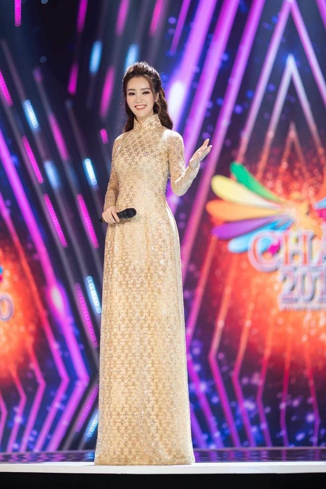 Vũ Thu Trang thiết kế 100 chiếc áo dài cho Á hậu Thụy Vân ảnh 8