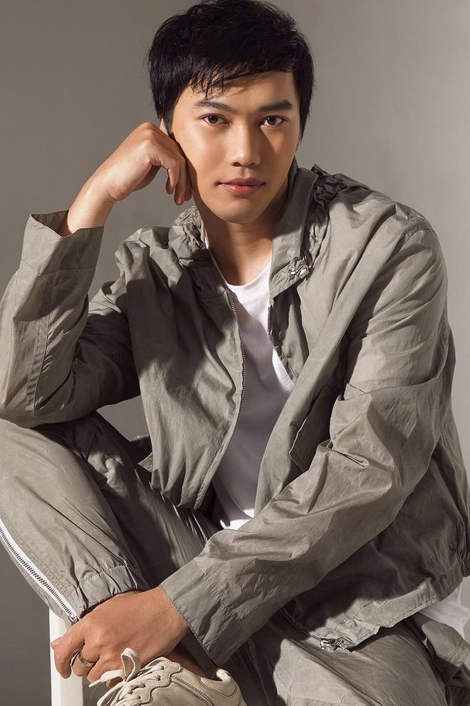Nhà thiết kế Trần Hùng công chiếu trực tuyến show thời trang đặc biệt ảnh 2