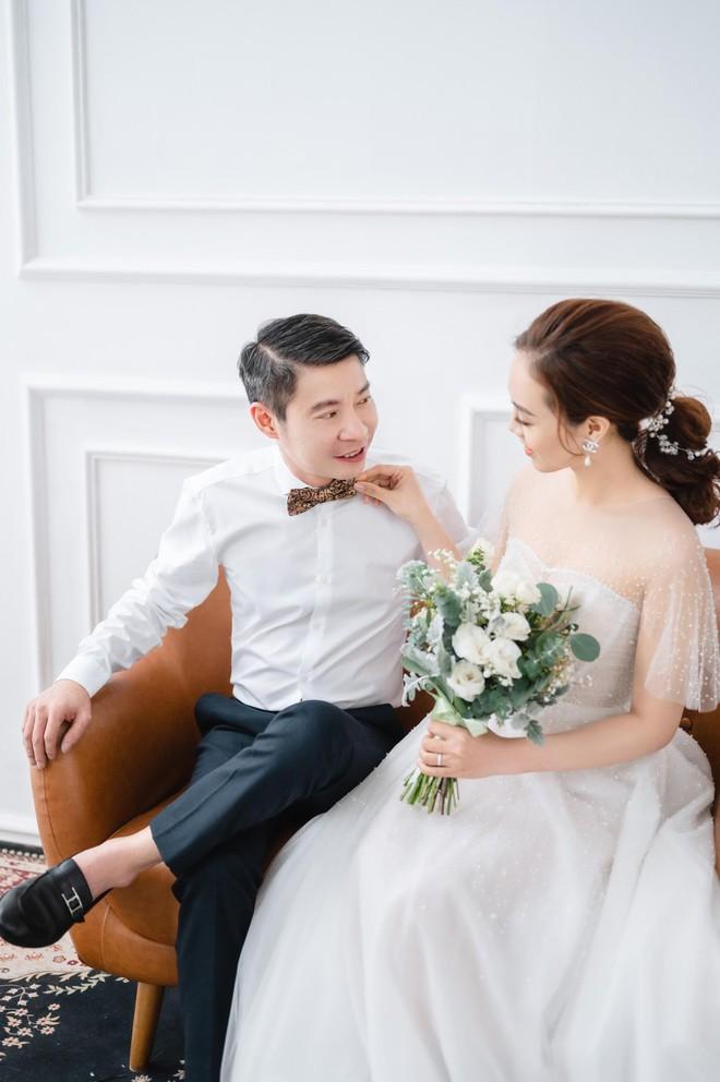 NSND Công Lý khoe khoảnh khắc hạnh phúc bên vợ sắp cưới ảnh 4