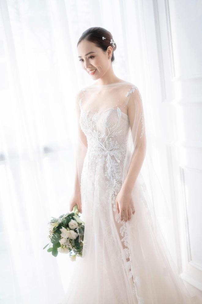 NSND Công Lý khoe khoảnh khắc hạnh phúc bên vợ sắp cưới ảnh 8