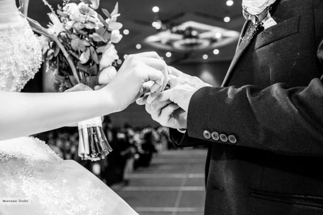 NSND Công Lý hồi hộp khi kết hôn với bạn gái kém 15 tuổi ảnh 16