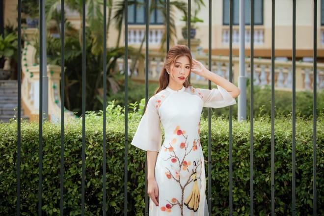 """Top 10 """"Hoa hậu Việt Nam 2020"""" Đặng Vân Ly nói về tin đồn """"đại gia"""" chống lưng ảnh 3"""