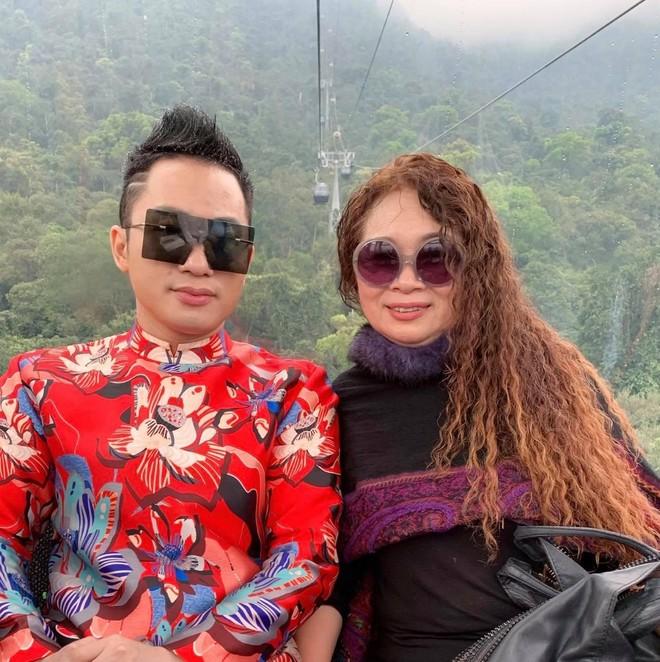 """Tùng Dương thừa nhận nhiều lần """"chịu thua"""" vợ ảnh 3"""