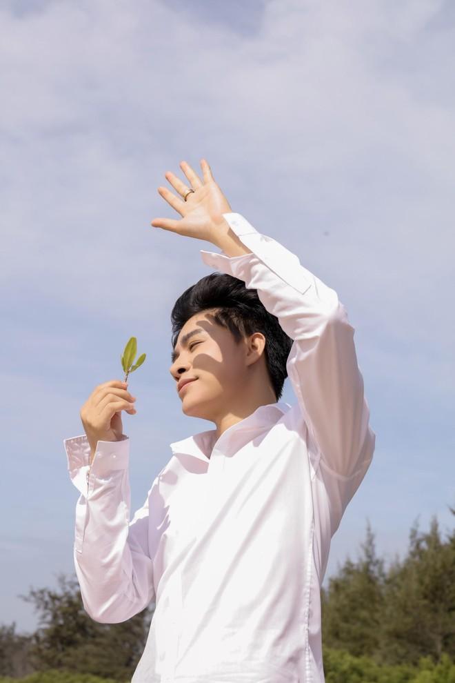 """""""Hiện tượng"""" giọng hát phi giới tính Tùng Anh tiết lộ lý do biến mất khỏi showbiz ảnh 4"""