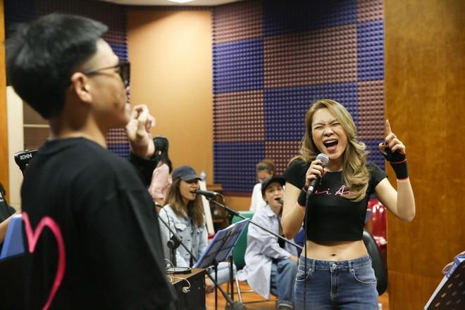 Rapper Wowy phấn khích khi lần đầu tiên được song ca cùng Mỹ Tâm ảnh 5