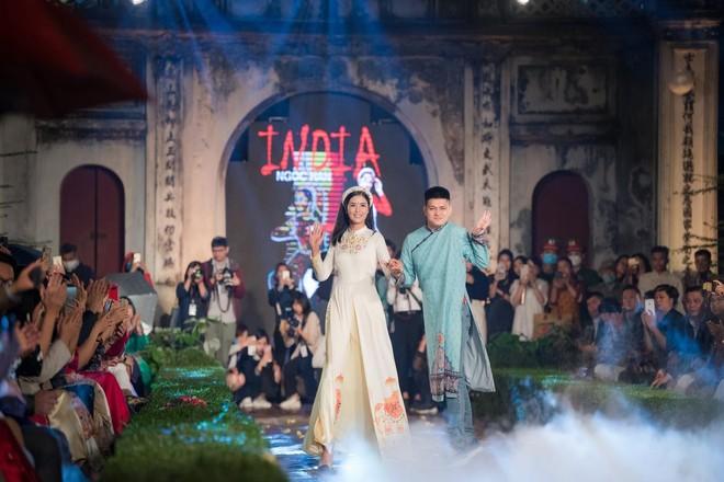 Hoa hậu Ngọc Hân mời người khuyết tật trình diễn áo dài ảnh 10