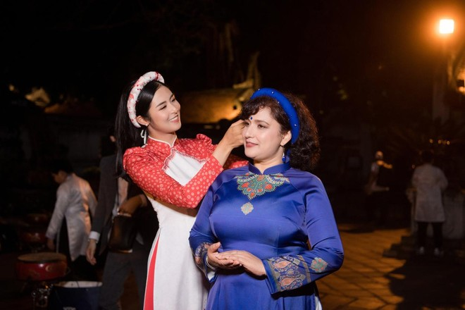 Hoa hậu Ngọc Hân mời người khuyết tật trình diễn áo dài ảnh 7