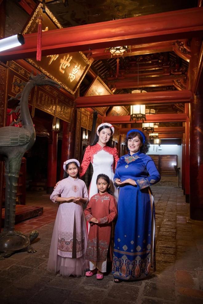 Hoa hậu Ngọc Hân mời người khuyết tật trình diễn áo dài ảnh 15